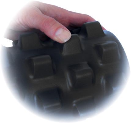 masazny-valec-rumble-roller-hrbolceky-cierny