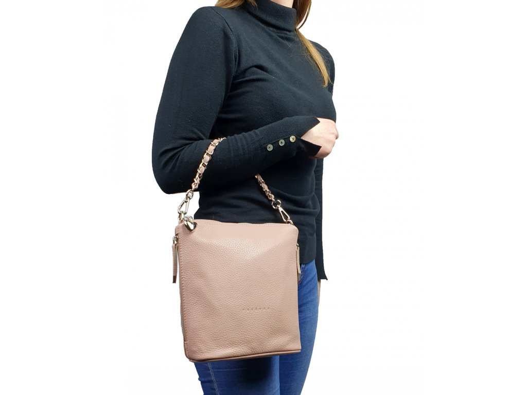 6034 32 damska kozena kabelka facebag emma i cerna hladka 190x190 0