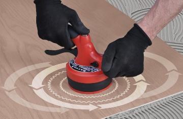 Jak se zbavit dutin pod dlažbou s vibrátorem Battile