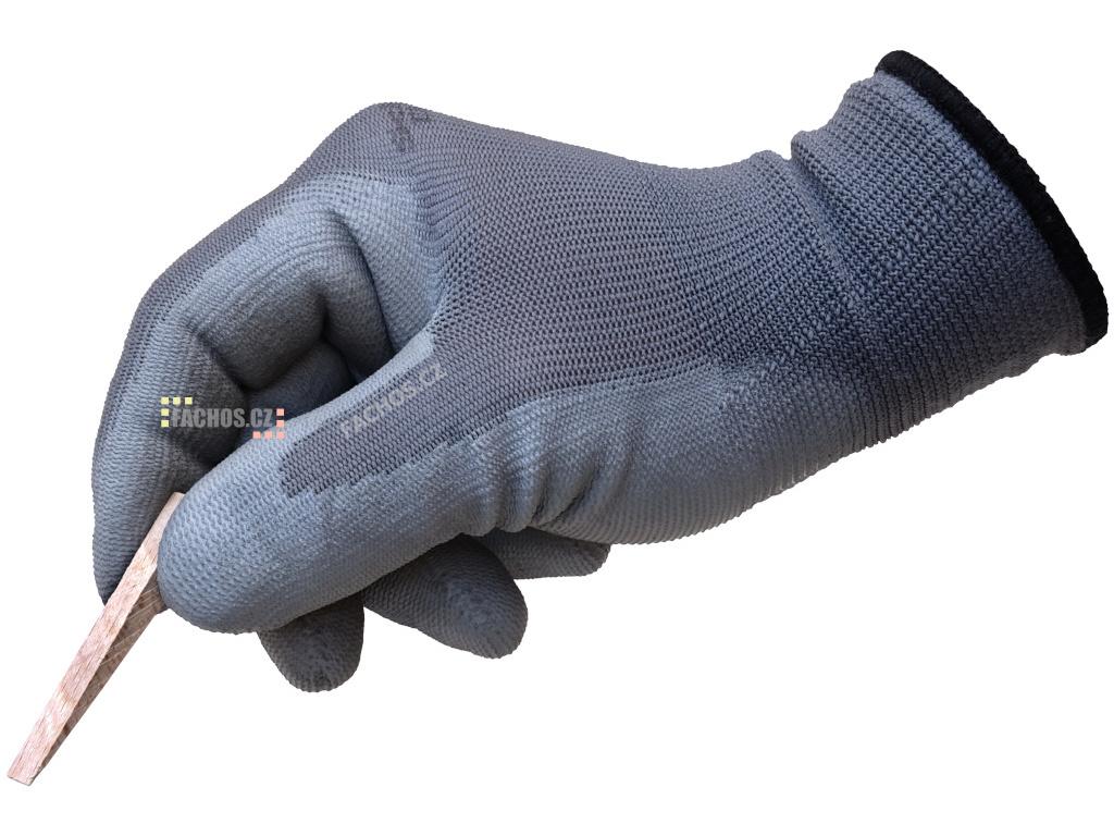 Klínky 0-8mm z tvrdé listnaté dřeviny na vymezení spár