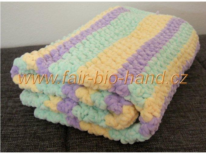 Háčkovaná dětská  deka do kočárku pastelová
