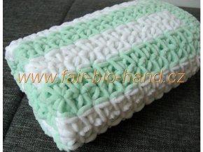 Háčkovaná dětská  deka zelenobílá