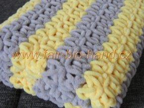 Háčkovaná dětská  deka šedožlutá