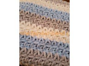 Háčkovaná dětská  deka modrošedobílá