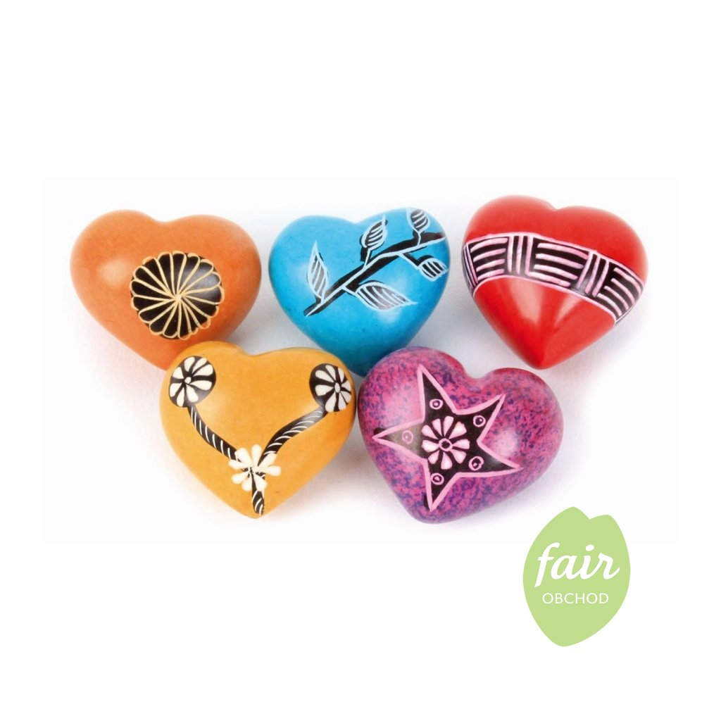 Fair trade mini srdíčka z mastku z Keni