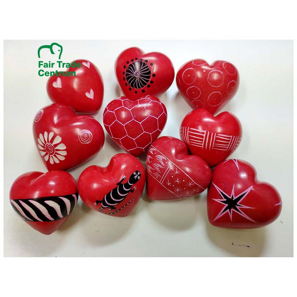 Červené fair trade srdíčko z mastku z Keni, různé vzory, 4 cm