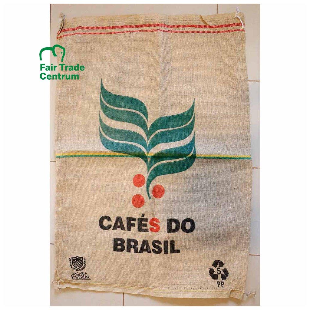 Pytel od fair trade kávy z Brazílie