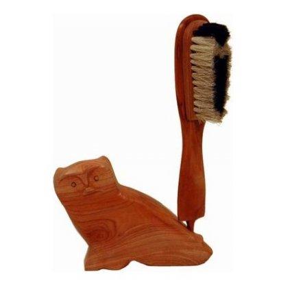 Fair trade kartáč na oděvy s dřevěnou sovou z Indie