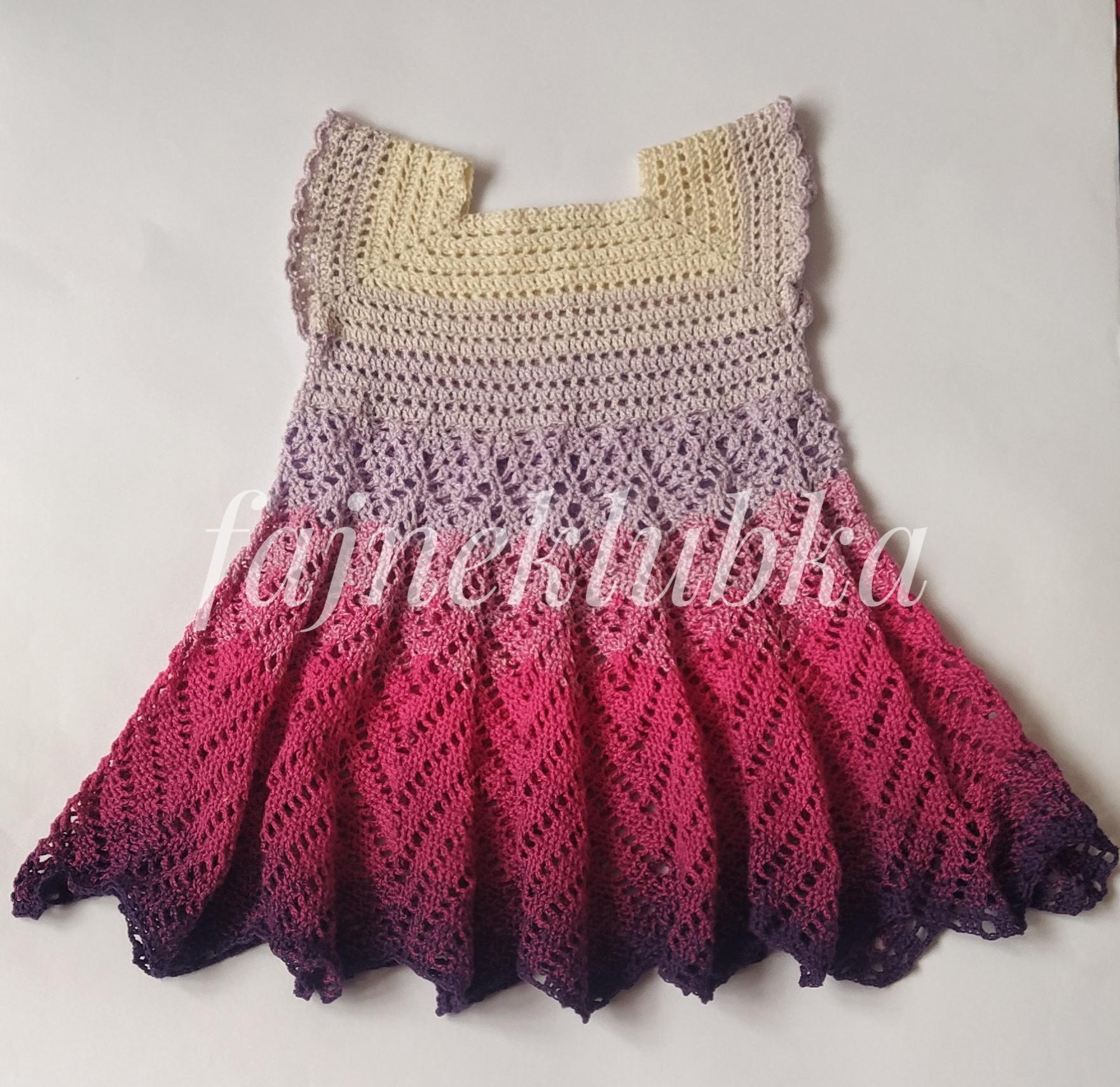 Háčkované šaty z barevného klubíčka