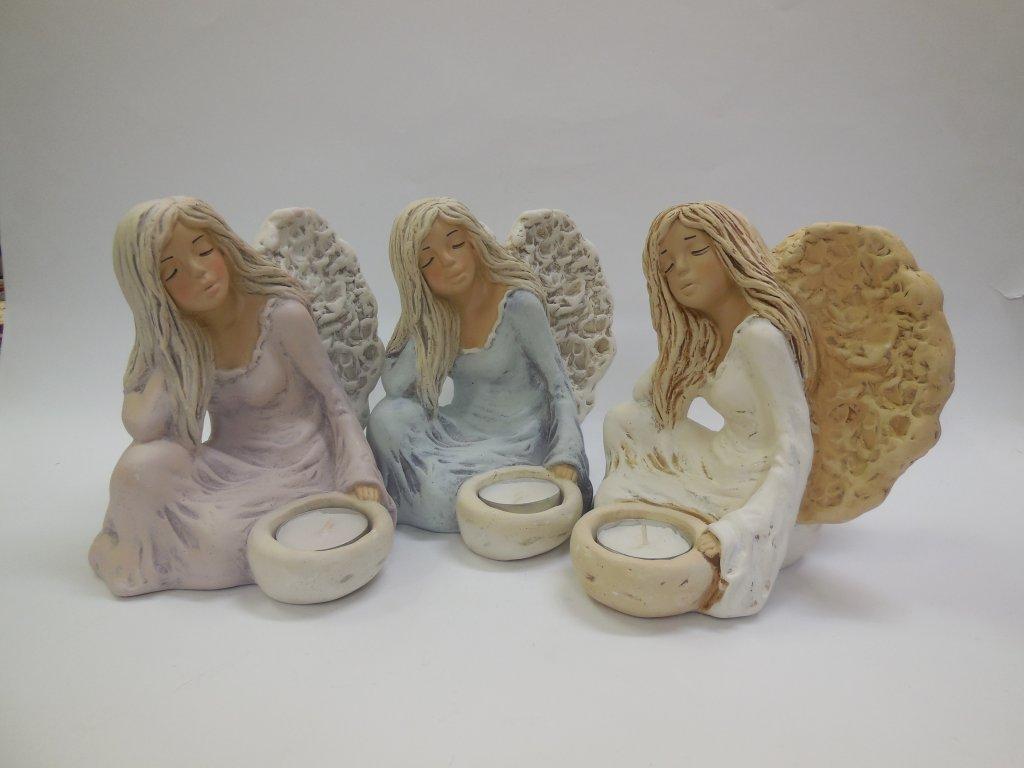 Anděl svícen bok