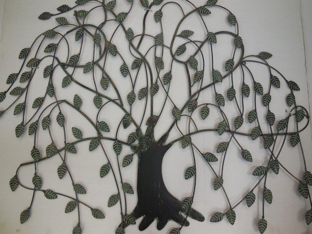 Kovový strom zelený
