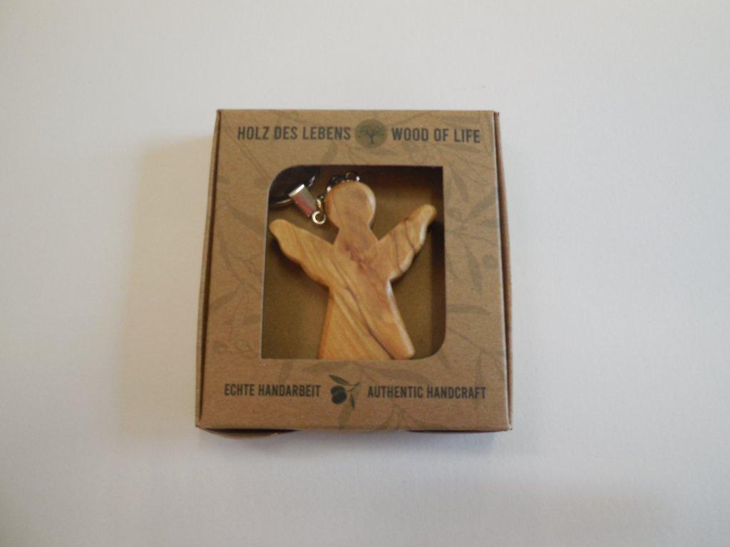 Přívěs anděl dřevo
