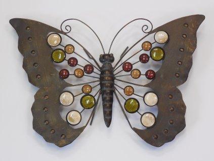 Kovový motýl s kameny