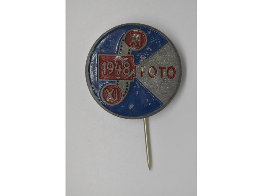 Odznak XI. všesokolského sletu pro fotografy 1948