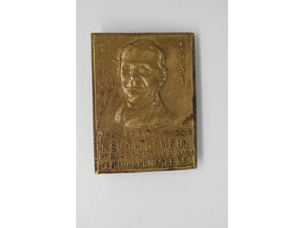 Slavnost odhalení pomníku Gregora Mendela v Novém Jičíně 1931