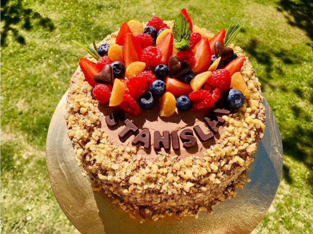 narozeninovy orechovy dort
