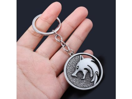 Game Wizard Wild Hunt Wolf Head Keychain Geralt Cosplay Wolf Medallion Pendant for Men Cool Keyring (1)