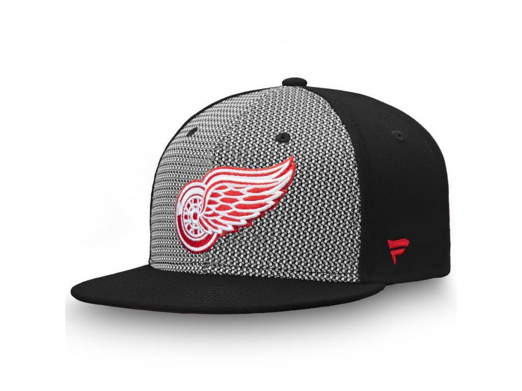 3ccaed4a0d4 Kšiltovka Detroit Red Wings Versalux Fitted - Fanda-NHL.cz