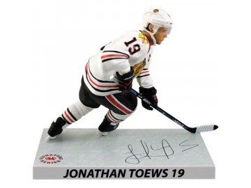 Figurka #19 Jonathan Toews Chicago Blackhawks Imports Dragon Player Replica