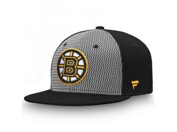 Kšiltovka Boston Bruins Versalux Fitted