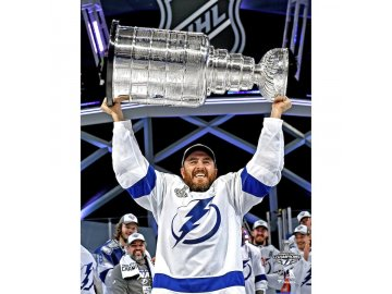 Fotografie Tampa Bay Lightning 2020 Stanley Cup Champions Kevin Shattenkirk 8 x 10