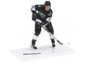 Figurka - McFarlane - Chris Pronger - v černém dresu Edmonton Oilers