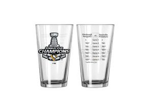 Sklenička Pittsburgh Penguins 16oz. 2017 Stanley Cup Champions Summary Pint Glass