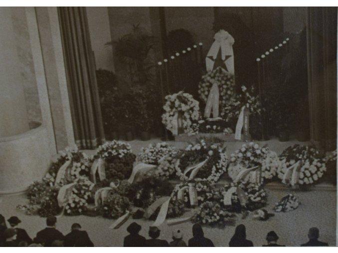 sprt antique 6 17 (69) pohreb 2