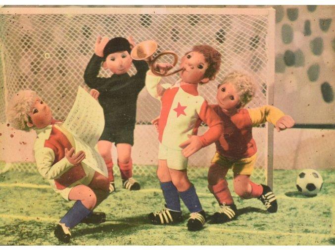 V tísni zahrál obránce na roh Slavia Dukla sport antique cervec 17 (98)
