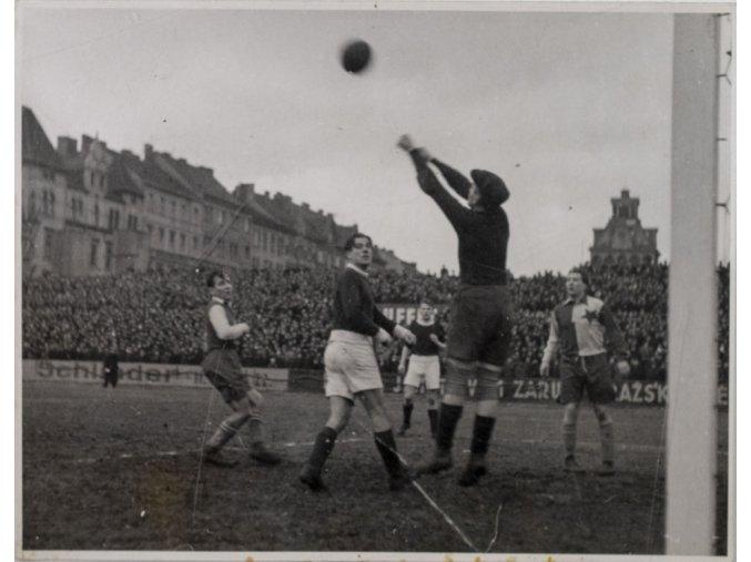 Tiskové foto, utkání Slavie v. Bohemians, 1946