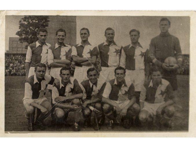 Dobová fotografie tým S.K.Slavia , 1944 (1)