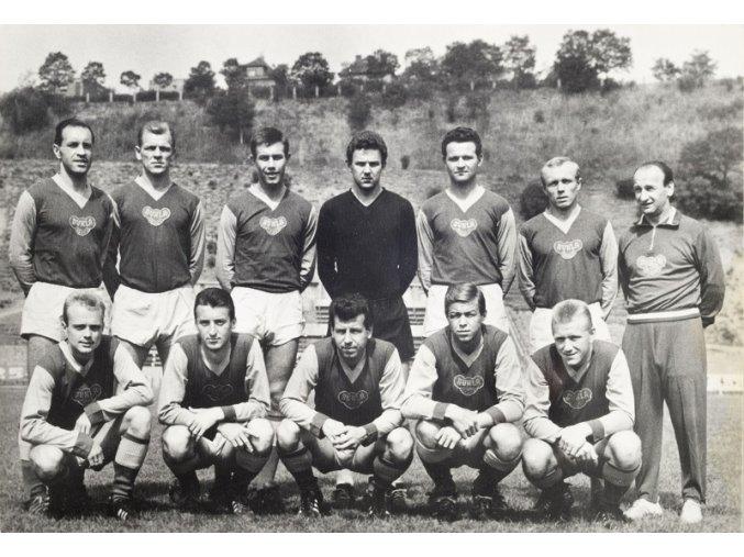 Pohlednice týmu Dukla Praha 1964