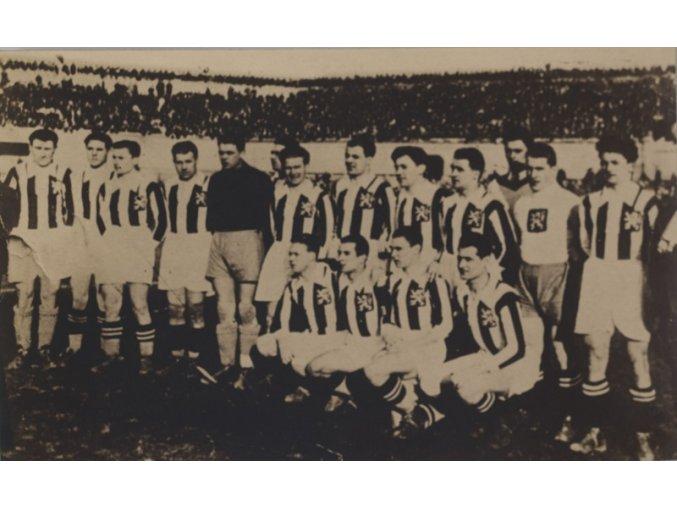 Dobová fotografie fotbalového týmu ČSR 1931