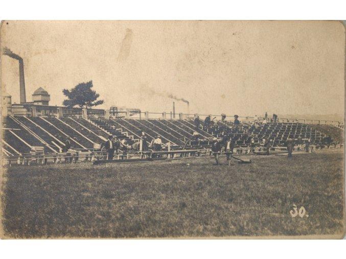 Pohlednice výstavba stadionu.dng