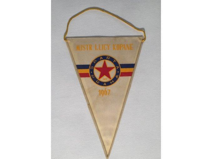 Klubová vlajka SPARTA PRAHA ČKD Mistr ligy 1967 IIDSC 8378.dng