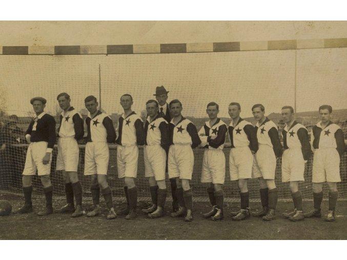 Dobová fotografie tým Slavia před brankouDSC 9929