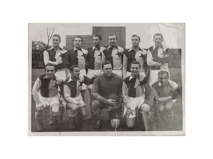 Dobová fotografie fotbalového týmu S.K.Slavia před utkáním, BicanDSC 6040