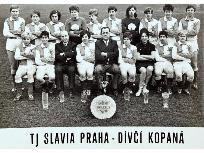 Fotografie TJ SLAVIA PRAHA dívčí kopaná