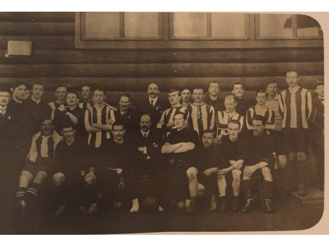 sprt antique 6 17 (47) fotbalovy tm klubovna