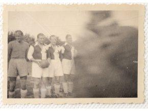 Dobová fotografie SLAVIA v Jičíně IV (1)