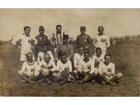 Dobová fotopohlednice, fotbalové mužstvo Rakousko Uherska (1)