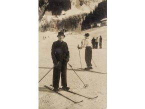 Dobová pohlednice, Pohoda na lyžích (1)