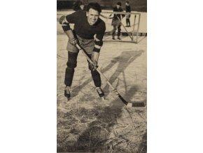 Dobová fotopohlednice, Hokejista, Kladno 1934 (2)