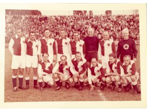 Barevné foto Bývalí inernacionálové S.K.Slavia 1963DSC 2479