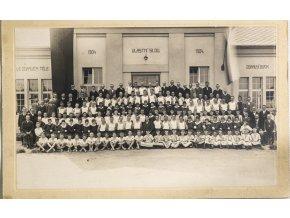 Dobová fotografie SOKOL, Vlastní silou, 1904 1924