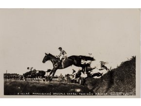 Dobová pohlednice, Velká pardubická, Taxisův příkop, 1914 (1)