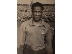 Dobová fotografie, Ben Barek, nejlepší hráč Paříže, 1947 (1)