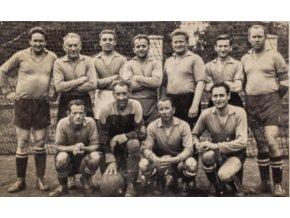 Fotbalový tým , pupkáči