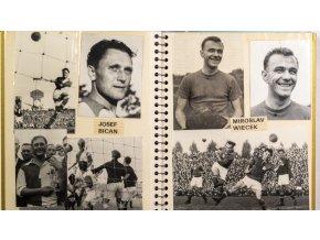 Album fotografií, výstřižků a autogramů, fotbal (2)