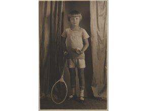 Fotografie mladého tenisty